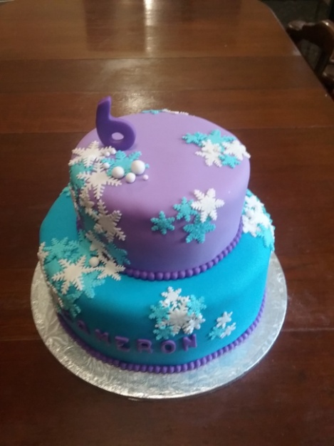 Frozen Themed Birthday cake | Party Animals