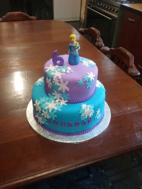 Frozen Themed Birthday Cake Party Animals
