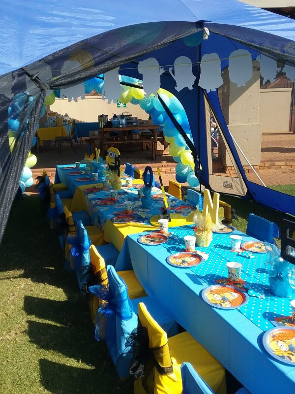 Party Animals Jumping Castles Minions Birthday table layout
