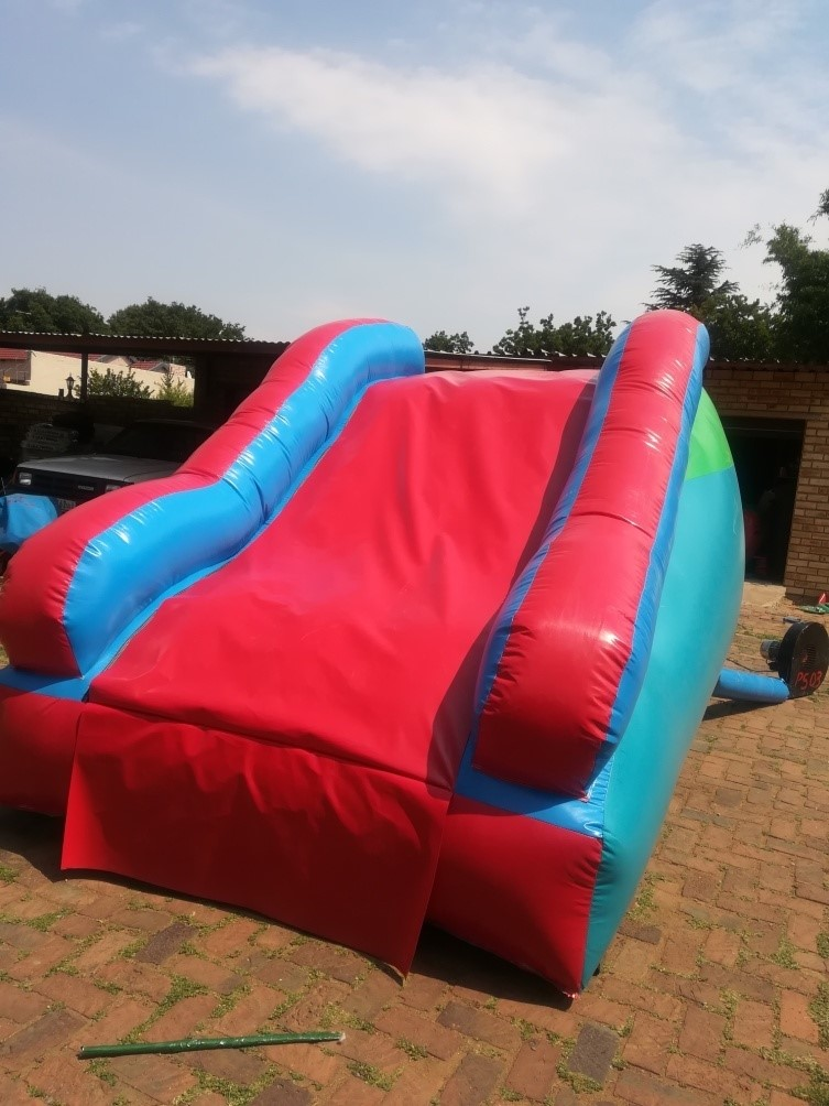 Pool Slides_2_Fun_4_Party_Animals_For_all_your_Jumping_Castles_and_party_hire_needs