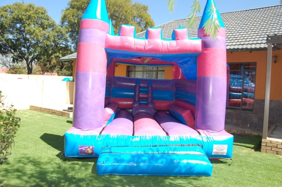 Princess Castle 1 Fun 4 Party Animals For all your Jumping Castles and party hire needs
